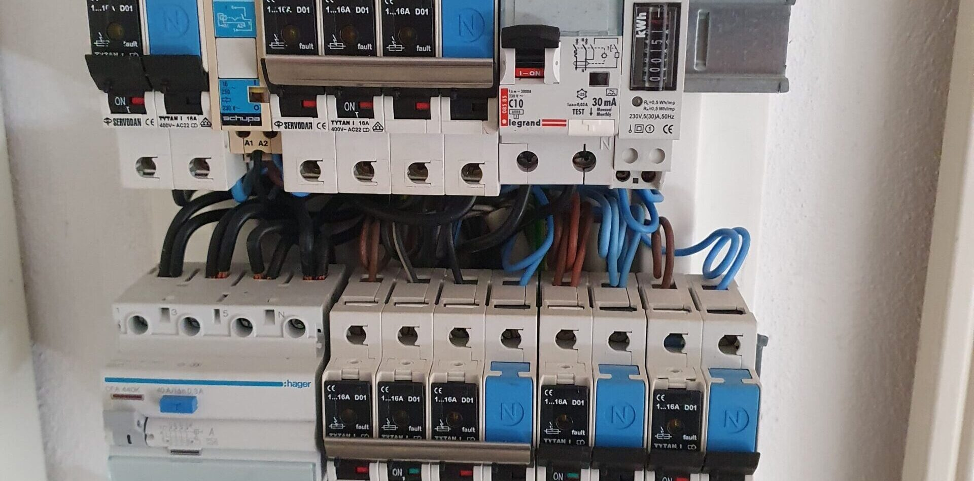 Flytning af eltavle - Love og regler samt flytning af el-tavle priser