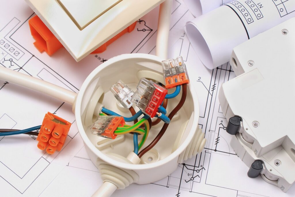 Hvilke el-tavle regler er der- Her du du læse om el-tavle lovgivning og regler - Der er mange ting du bør vide omkring regler og love el-tavle
