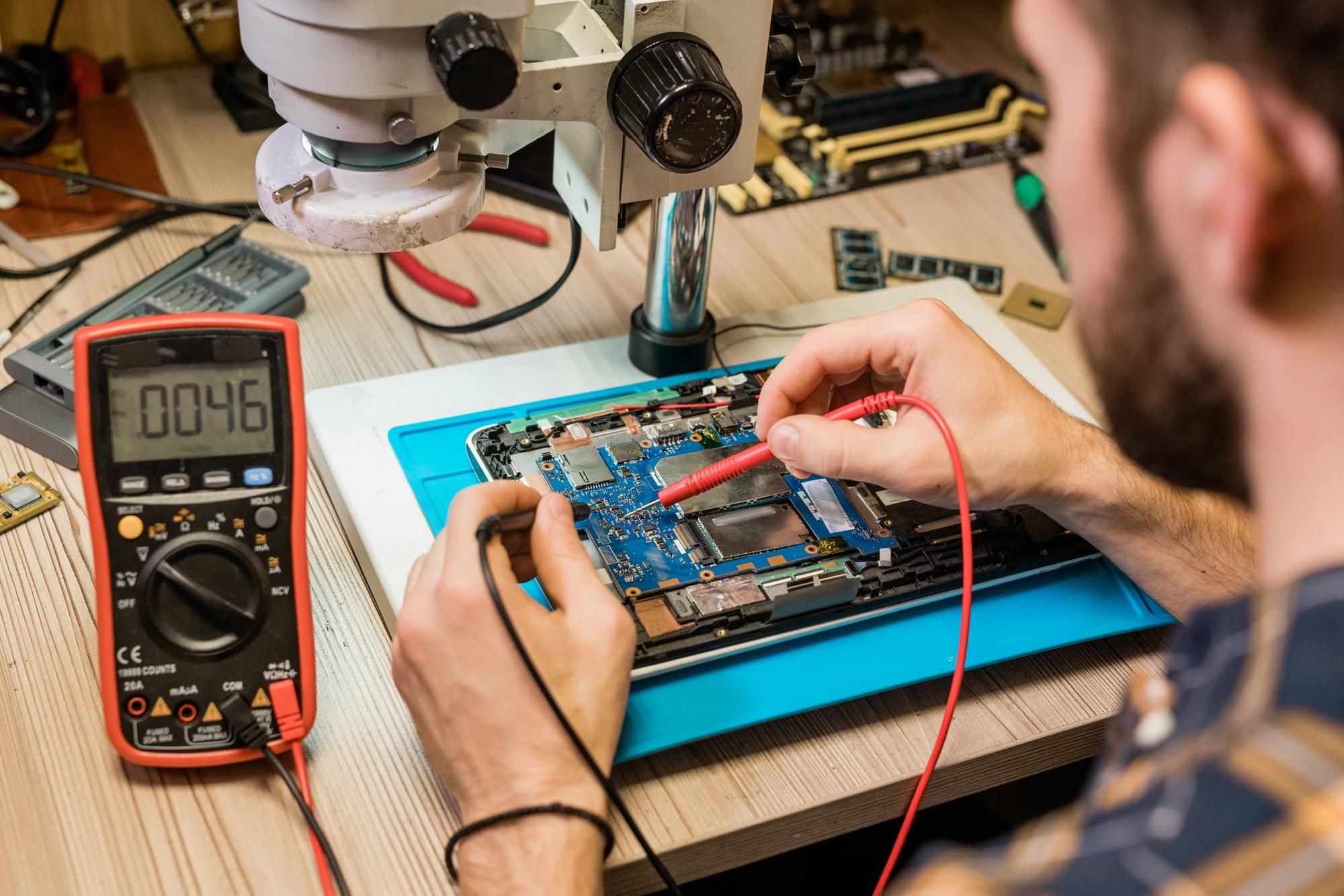Din loyale elektriker i Hellerip kommune som Få alt fra el-renoveringer til fejlsøgning døgnservice elektriker Hellerup. Ring for el priser »
