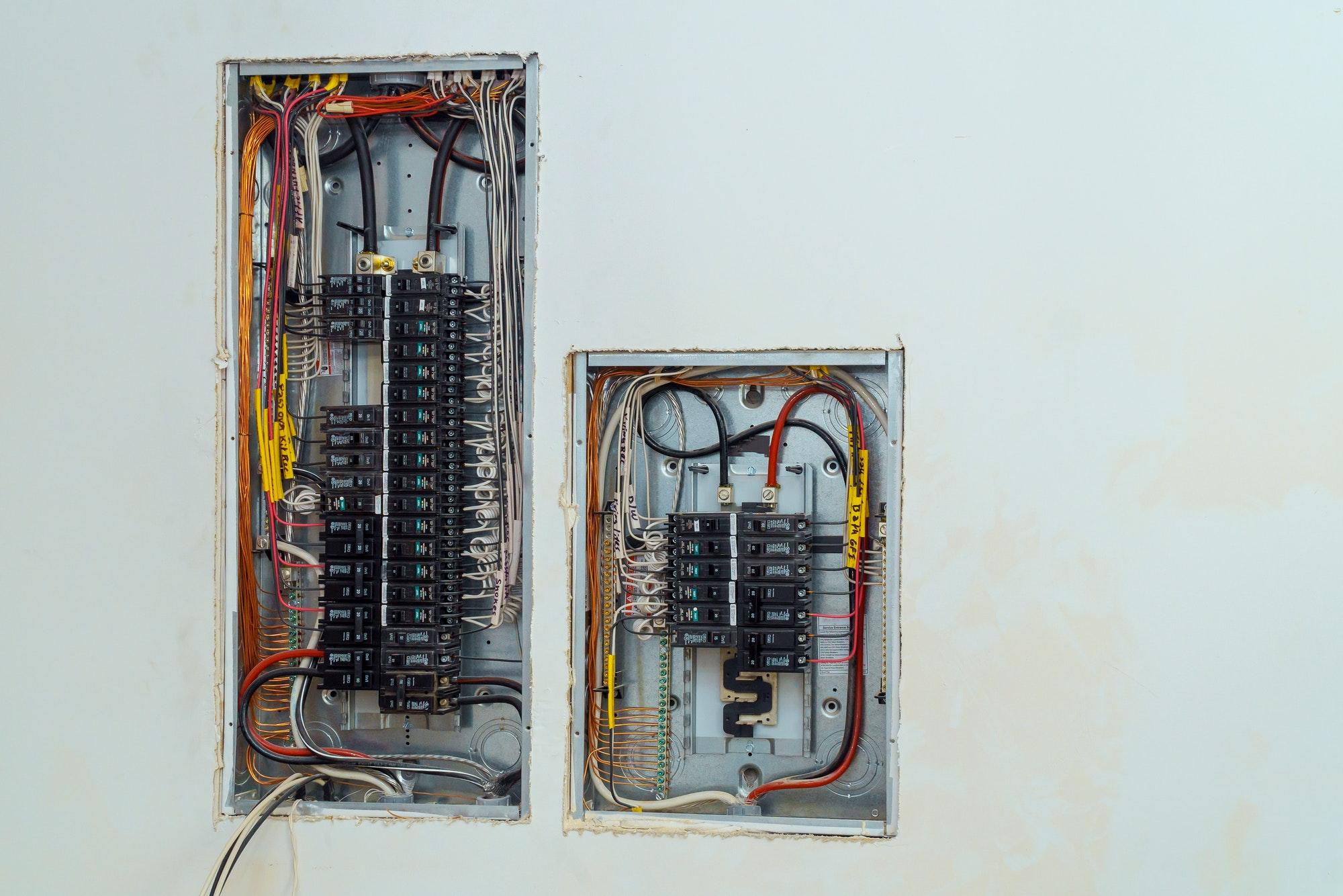 Udskiftning af el-tavle & elmåler København, tilbydes af autoriseret elektriker Amager, Gentofte m.fl - Få faste priser og pris på udskiftning af eltavle