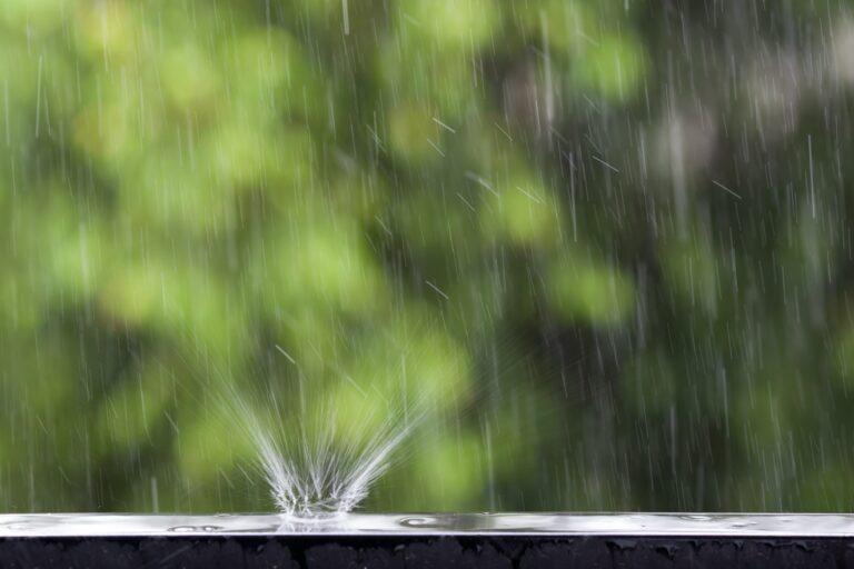 Hvis strømmen gået regnvejr så kan det skyldes fugt eller vand i en elinstallation eller i en udvendig stikkontakt